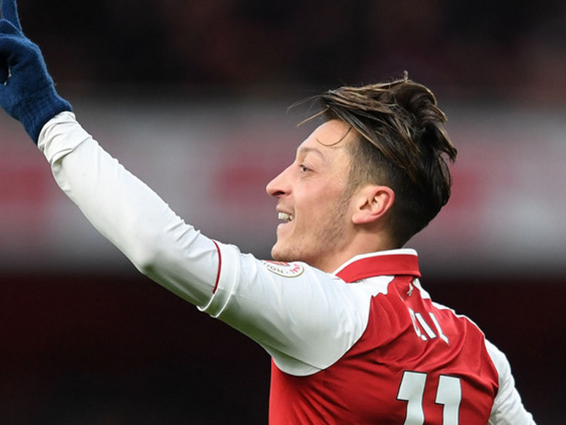 No Mesut Ozil deal this month, Arsenal star considering new contract offer