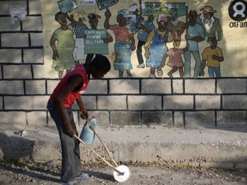 Oxfam boss Mark Goldring 'sorry' over Haiti scandal