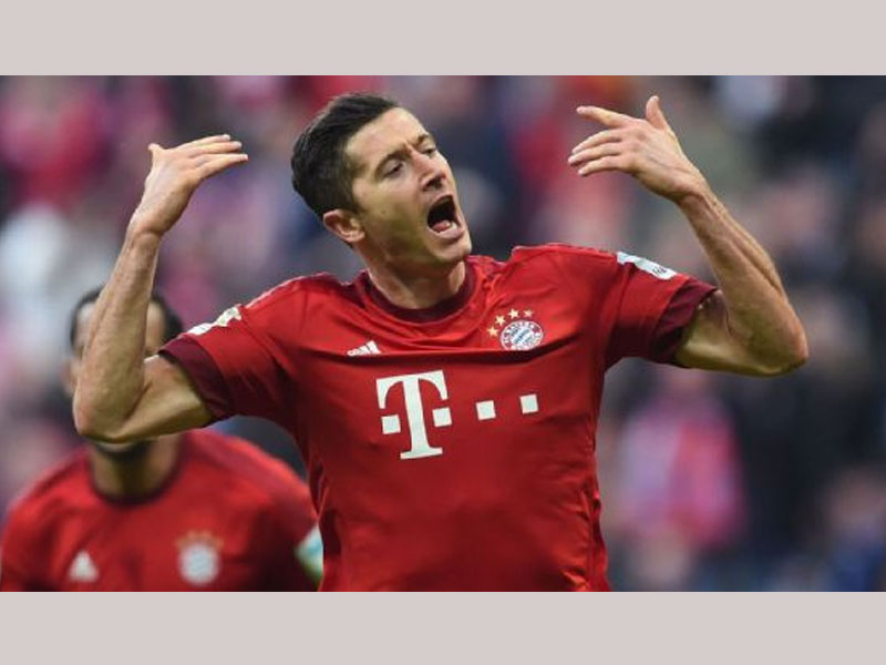 EPL: Chelsea, Manchester United to battle for Lewandowski