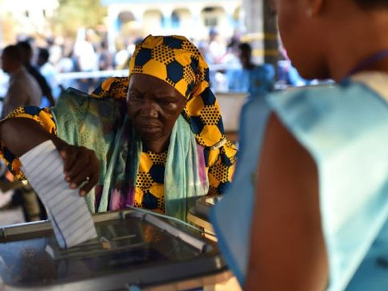 Sierra Leoneans head to polls to pick next president
