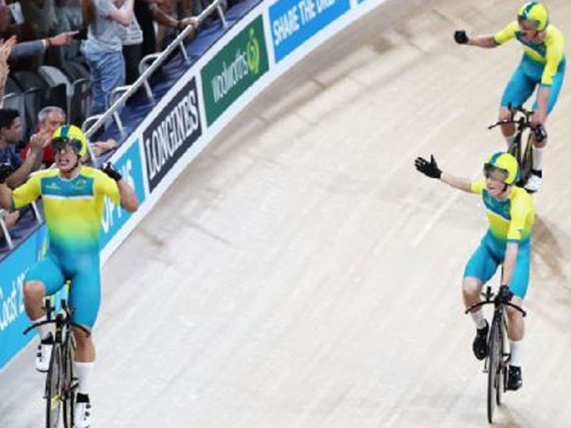 Mack Horton won Australia's first 2018 Commonwealth Games gold on Thursday