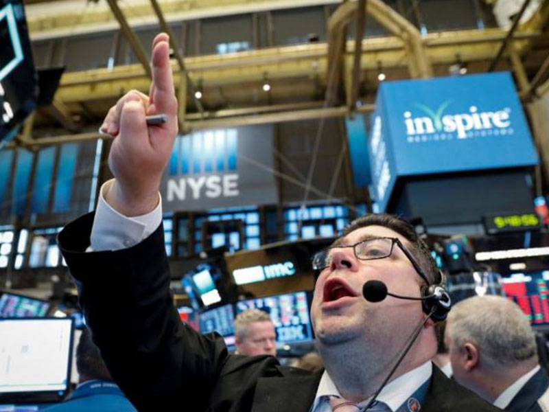 Wall Street rallies on tepid inflation data