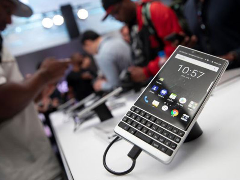 Here's your first look at the latest BlackBerry smartphone, the BlackBerry Key2