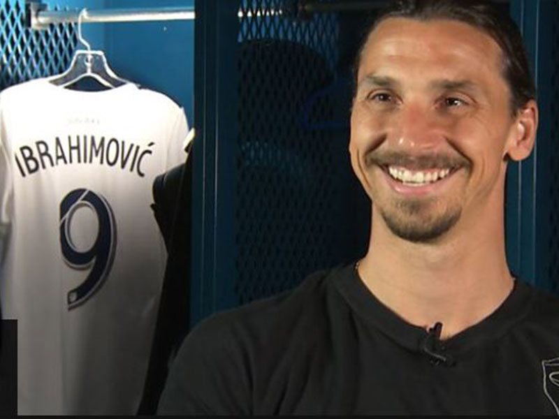 Zlatan: 'I offered to play for free at Man Utd'