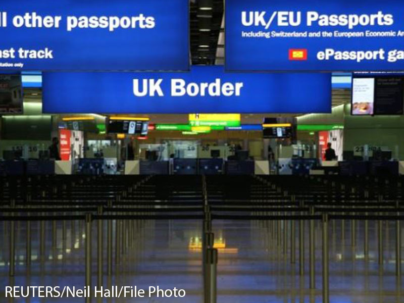 Simon Coveney and Michel Barnier discuss Irish border