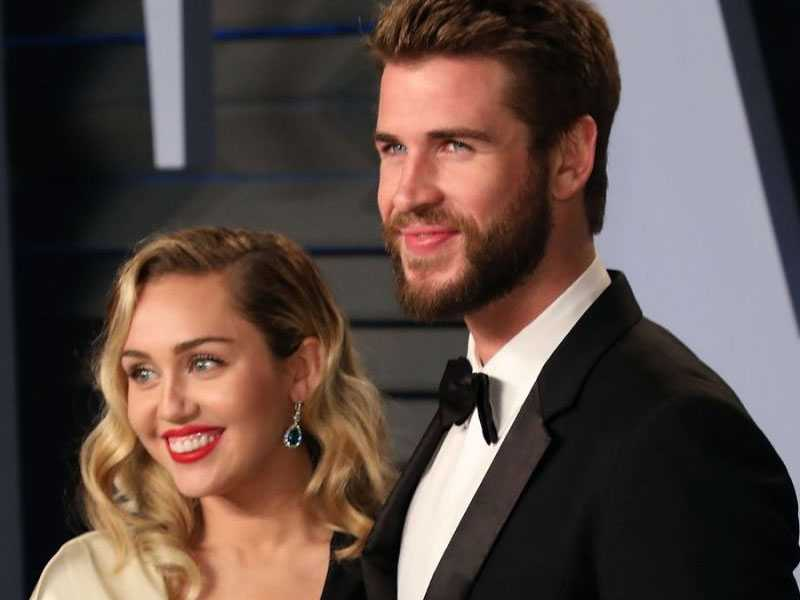 Miley Cyrus confirms wedding to Liam Hemsworth on Instagram and Twitter