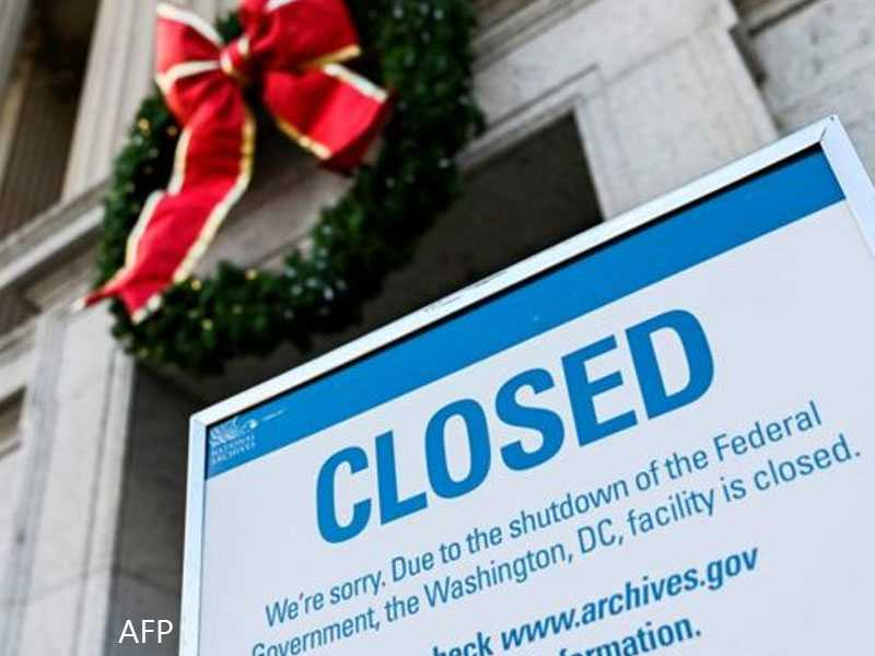 Presidential tweets shutdown blame, no talk of solutions