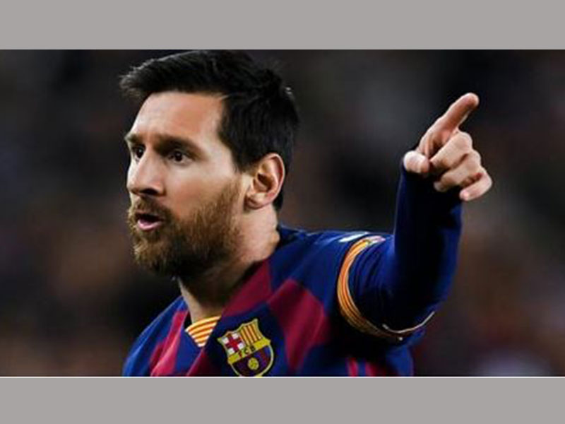 Abidal hopes Messi will renew contract with Barcelona